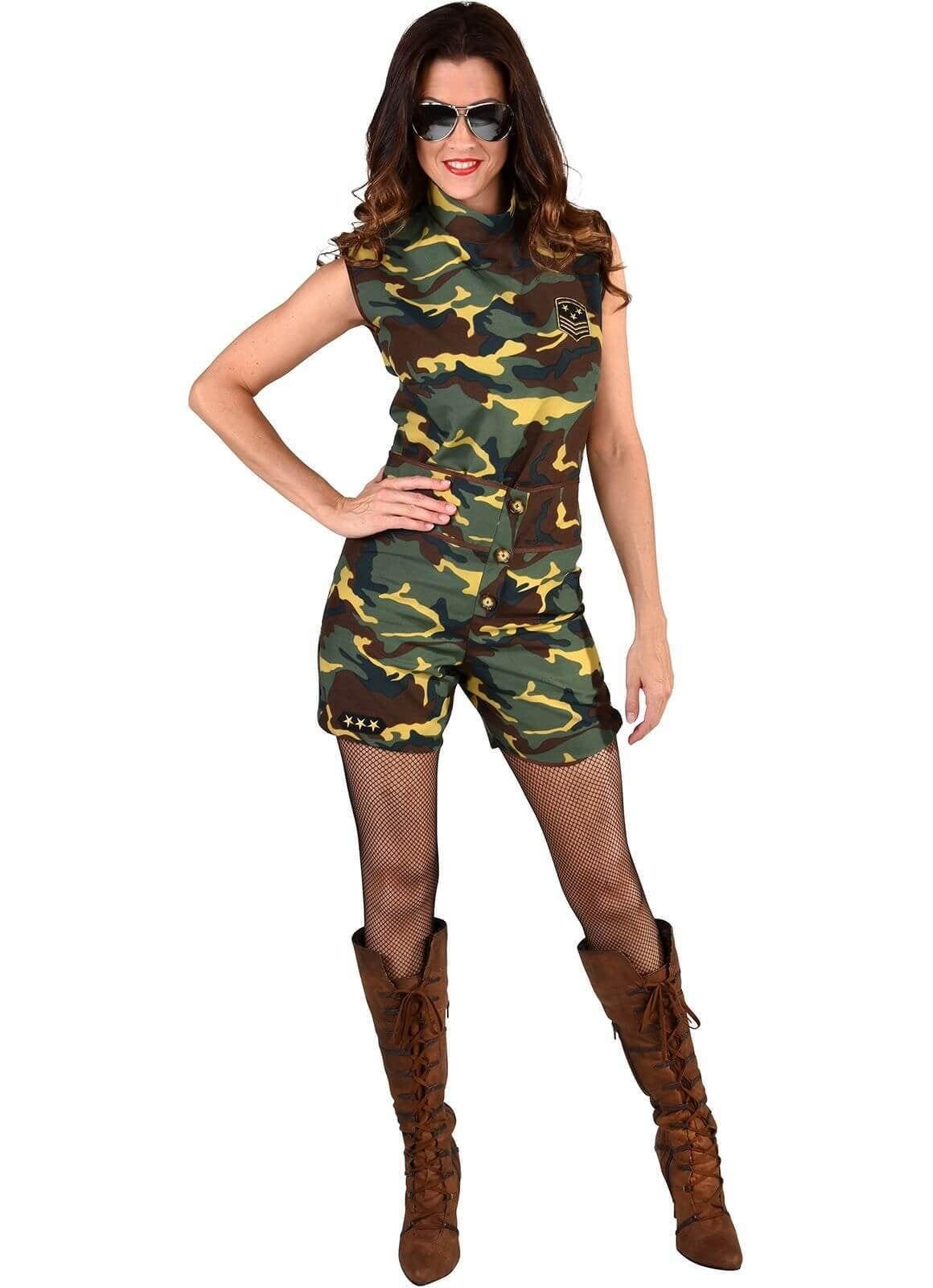 Camouflage legerkostuum met hotpants