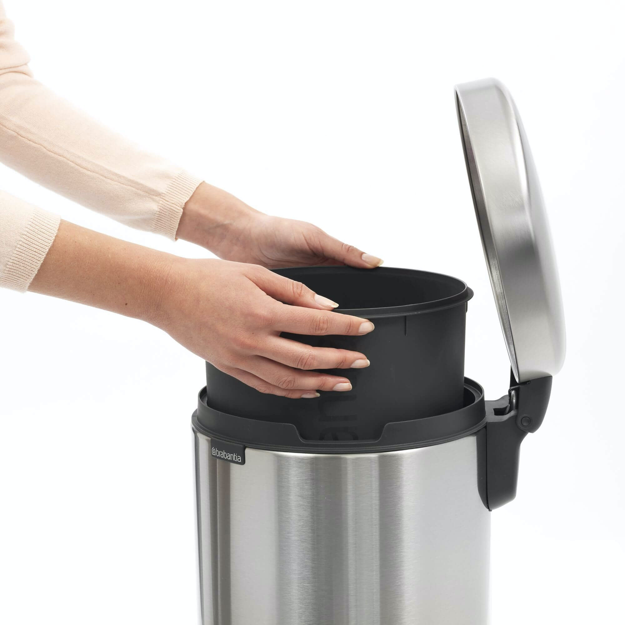 Brabantia Newicon Pedaalemmer 12 Liter Met Kunststof Binnenemmer Matt Steel Fingerprint Proof online kopen
